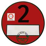 czerwoną plakietkę